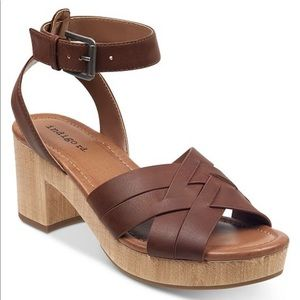 Francesca's Darsel Wood-Platform Dress Sandals